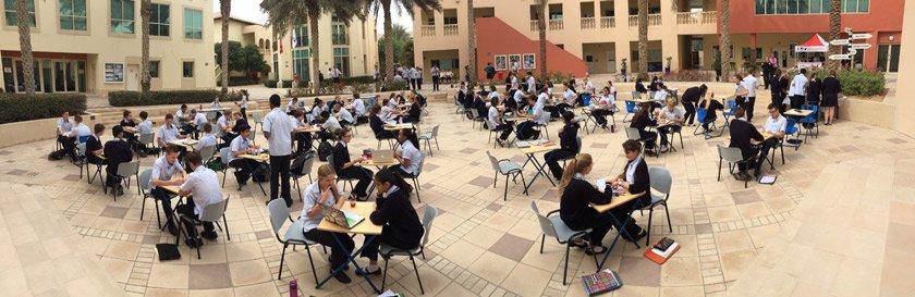 Braindating at school in Dubaï.